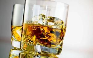 стакан с алкоголем