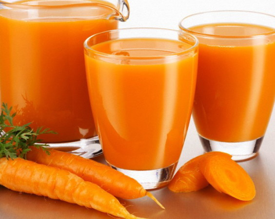 Морковный сок является одним из народных средств, обладающих глистогонным действием