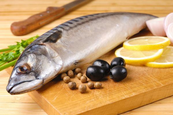 Употребляйте в пищу только хорошо прожаренную и проваренную рыбу