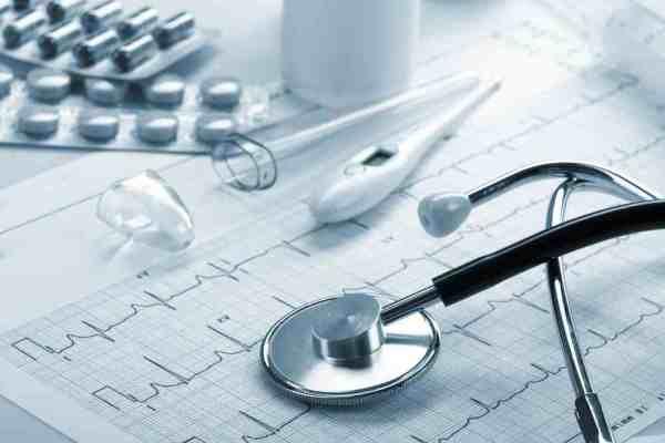 При лечении от аскарид необходим контроль врача