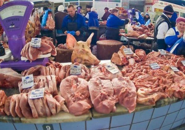 Мясную продукцию рекомендуется приобретать в специализированных магазинах, а не на рынках