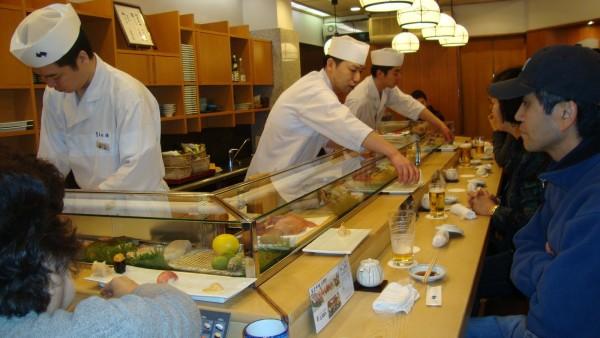 """Жители азиатских стран с давних времен употребляют в пищу имбирь и острую приправу """"Васаби"""", что помогает им избежать заражения паразитами"""