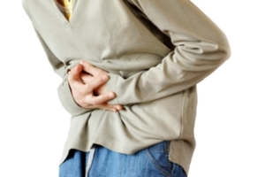 Боль в животе может быть вызвана побочным эффектов применения противоглистных препаратов
