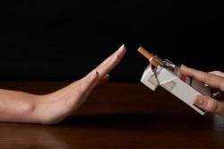 Отказ от курения для отсрочки климакса