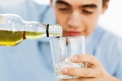 Употребление алкоголя - причина рефлюкс-эзофагита