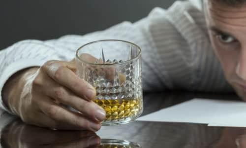 Алкогольная зависимость уже давно считается опасным заболеванием, которое имеет несколько стадий развития