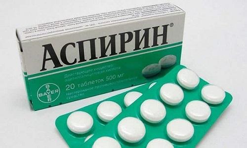Аспирин снимает сильный жар, а также более эффективно разжижает кровь