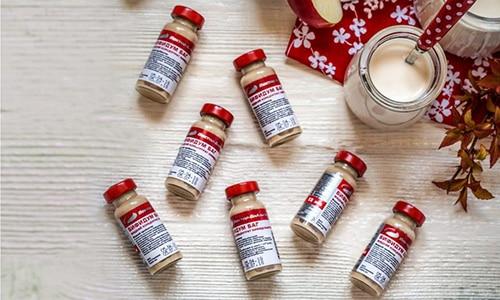 Основным действующим веществом Бифидум 791 БАГ являются живые бифидобактерии, имеет специфический вкус и слабый кисломолочный запах