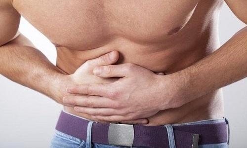 При ложном ущемлении у пациента присутствует симптоматика острого живота, указывающая на защемление