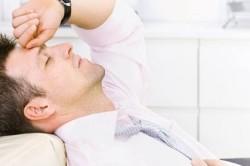 Рези внизу живота - признак молочницы