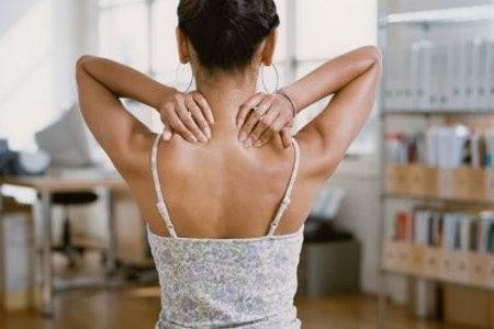 сильные боли при антелистезе шейного отдела
