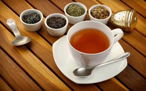В борьбе с паразитами человеческого организма помогает чай на основе сбора трав