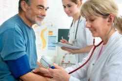 Регулярное посещение гинеколога для профилактики белых выделений