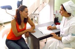Обязательный осмотр гинеколога при подозрении на вагинит
