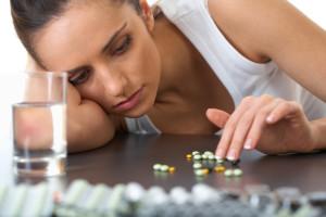 В первые недели приема паксил повышает риск самоубийства в несколько раз!