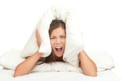 Стресс - причина желтых выделений