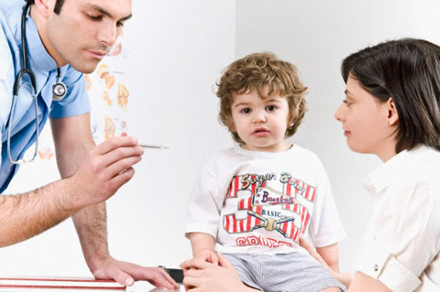 Если у ребенка появилась температура, не спешите давать таблетки